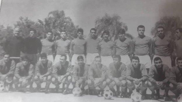 Abdelhamid Salhi with the Algeria squad in 1967