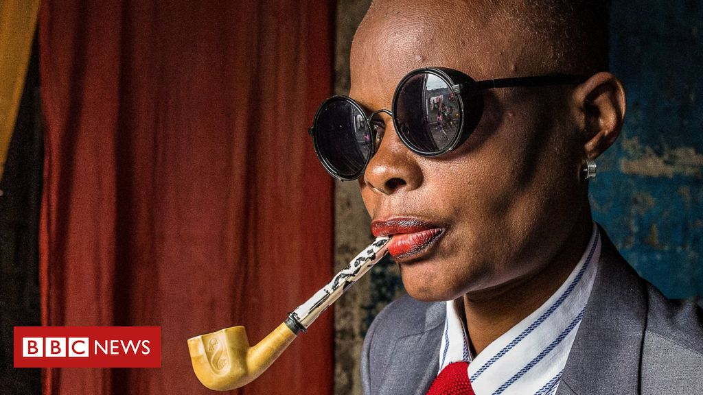 Congo's sapeurs pass their style on to a new generation