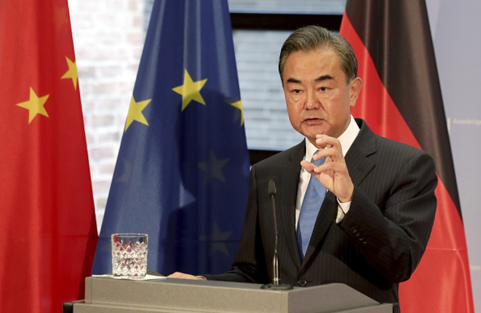 China raps U.S. for interfering in S. China Sea disputes