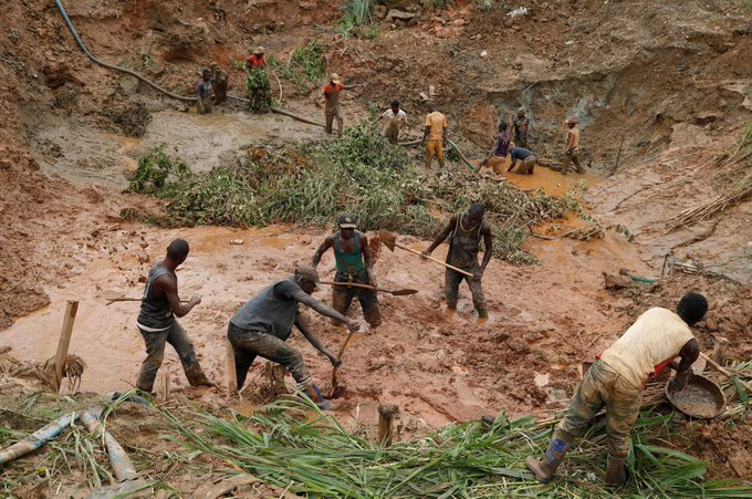 50 people feared dead in DR Congo gold mine collapse