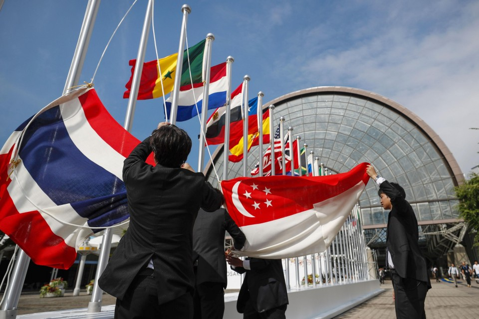 G-20 agrees on 6-month extension of debt relief for poor nations