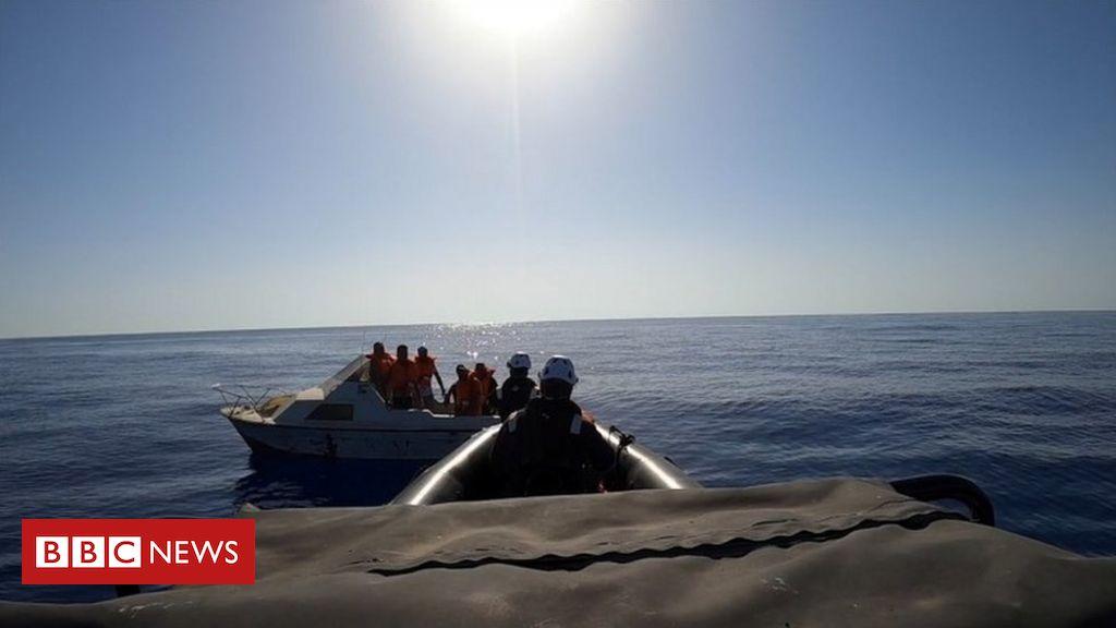 Europe migrant crisis: Scores die in shipwreck off Libya – UN