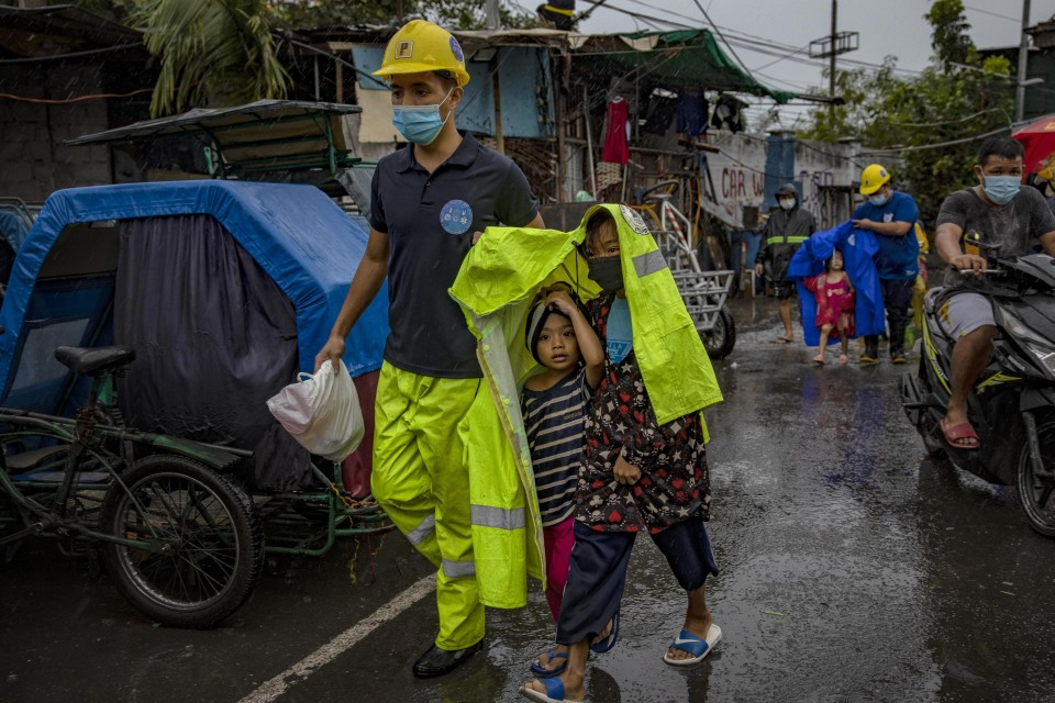 World's strongest typhoon of 2020 makes landfall in Philippines