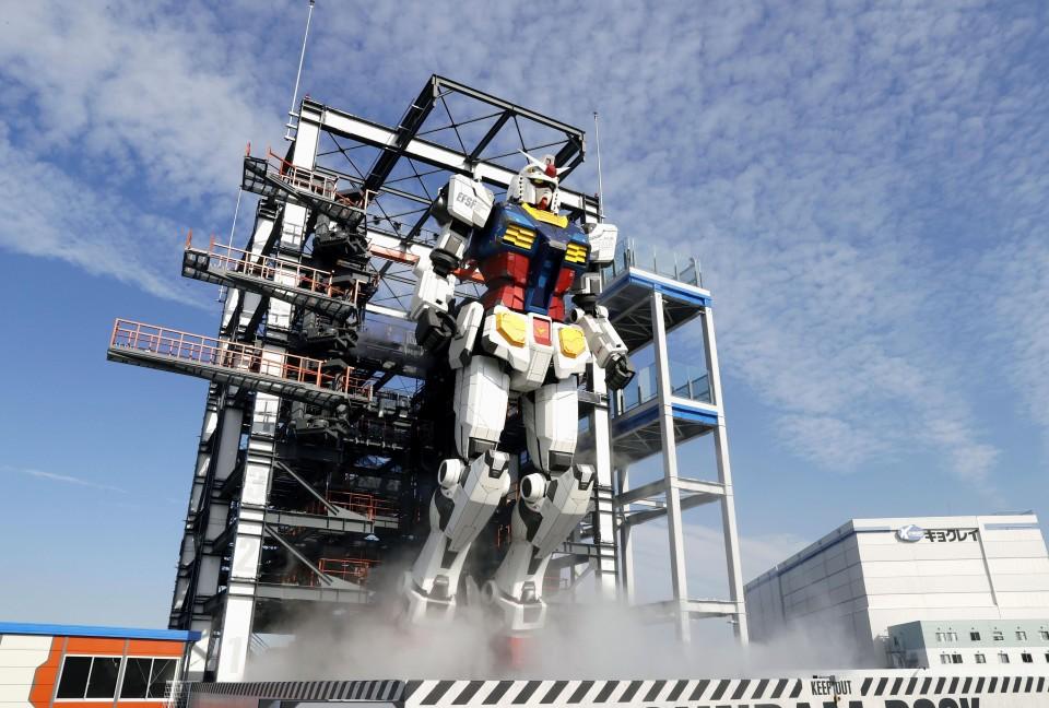 Life-size moving Gundam statue unveiled at Yokohama theme facility