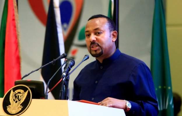 Sudan 'closes border with Ethiopia' over tension in Tigray region