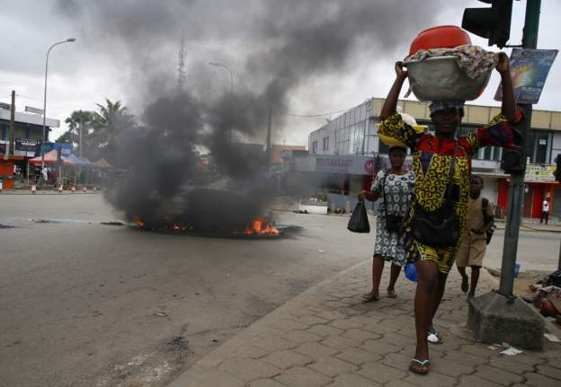 Ivory Coast: 12 dead in fresh clashes over disputed polls