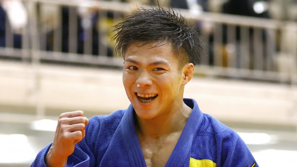 Abe clinches Olympic berth in epic playoff over Maruyama