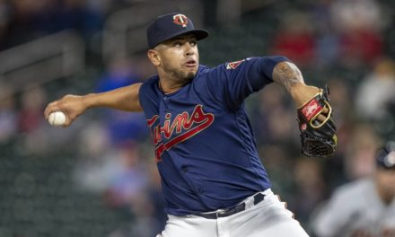 BayStars sign former Twins pitcher Fernando Romero