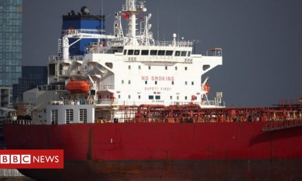 Isle of Wight oil tanker 'hijacking' case dropped against seven men