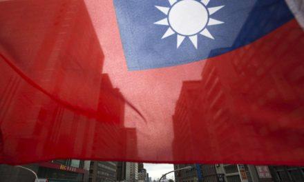 U.S. warships transit Taiwan Strait; China denounces 'provocation'
