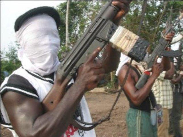 Nigerian army general killed by gunmen on highway