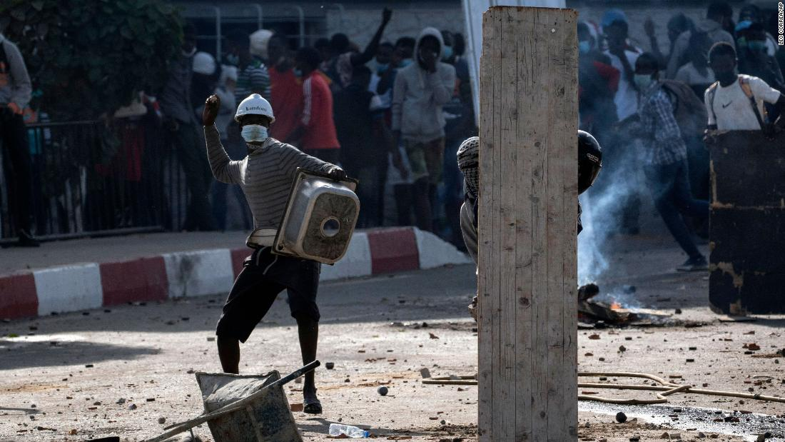 Senegal restricts internet as protests over rape allegation escalate