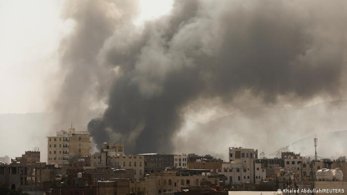 Fire kills African migrants at detention centre in Yemen