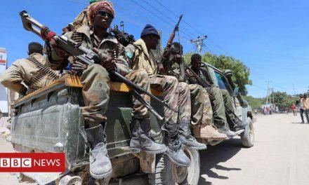 Somalia violence: Rival units fight amid row over president's term