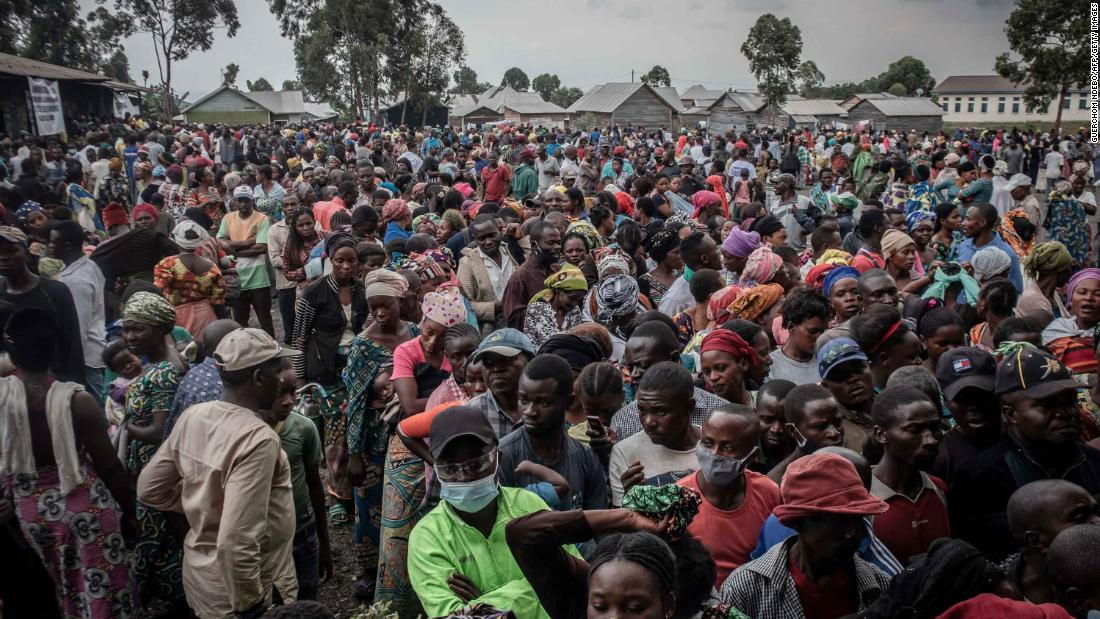 DRC volcano eruption: Tens of thousands trying to escape Goma