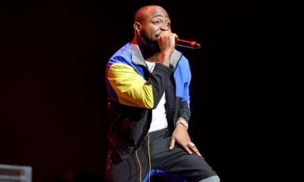 Musician Davido gives impromptu free concert to kids at beach house