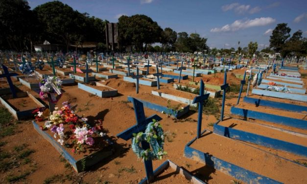 Many Brazilians insist on Pfizer even as nation passes 500,000 COVID-19 deaths
