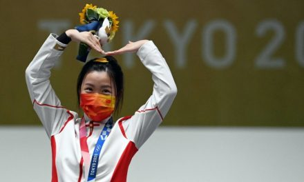 Day 1 recap: Glittering gold distracts from Tokyo woes