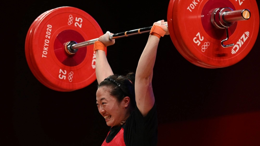 Japan's Mikiko Andoh takes bronze in women's weightlifting