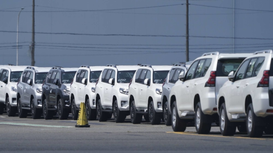 Sentiment among Japan's big manufacturers improves in June survey