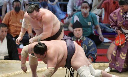 Hakuho defeats Terunofuji to clinch Nagoya title with perfect record