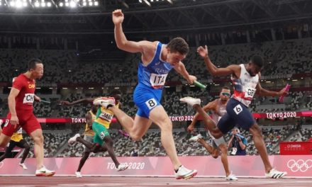 Italy sprints to gold in men's 4×100-meter final; Japan does not finish