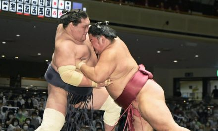 Daieisho pulls off stunner on Day 9 with victory over leader Terunofuji